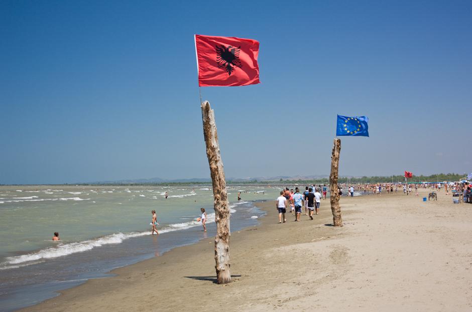 Flaga Unii Europejskiej w Alabanii
