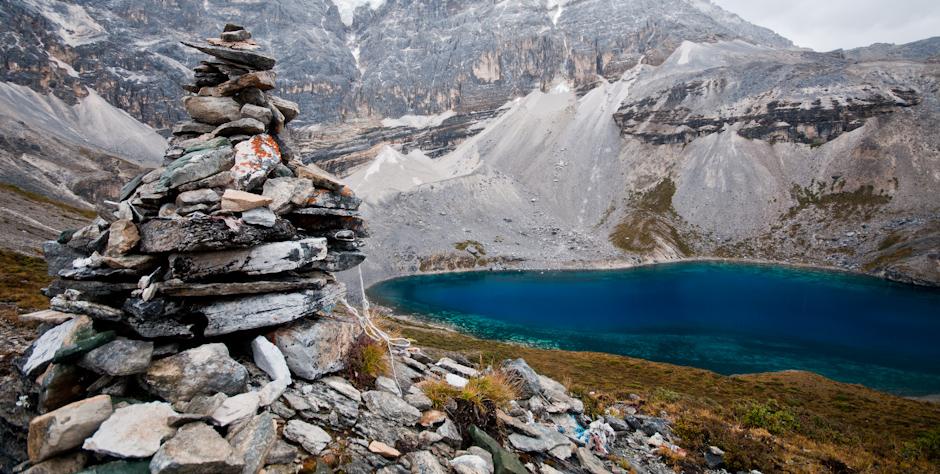 Jezioro Pięciokolorowe w chińskiej prowincji Syczuan