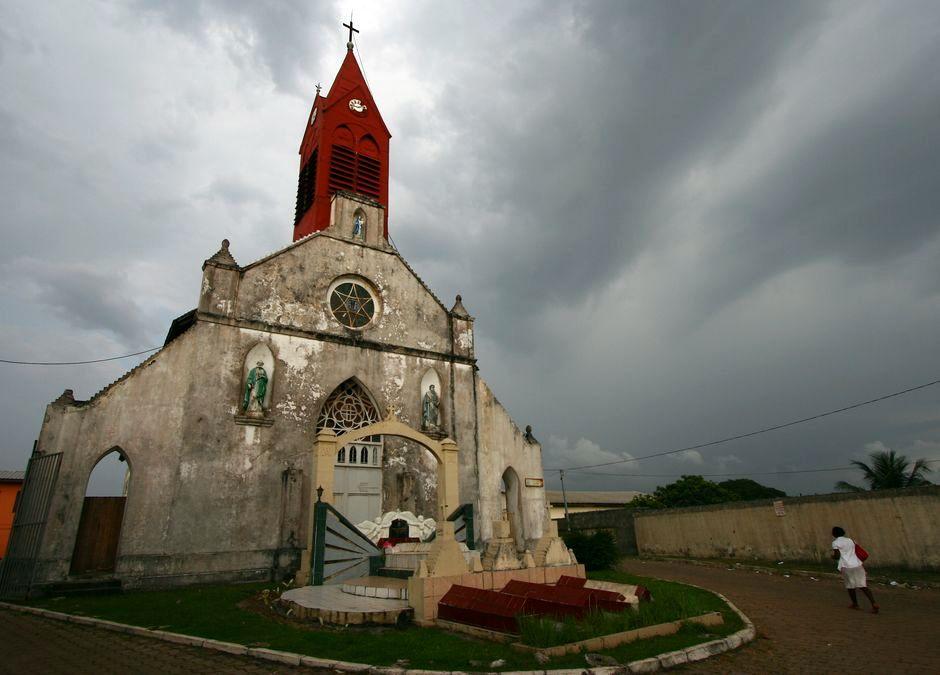 Kościół Mariacki Notre-Dame de Neiges w Gabonie