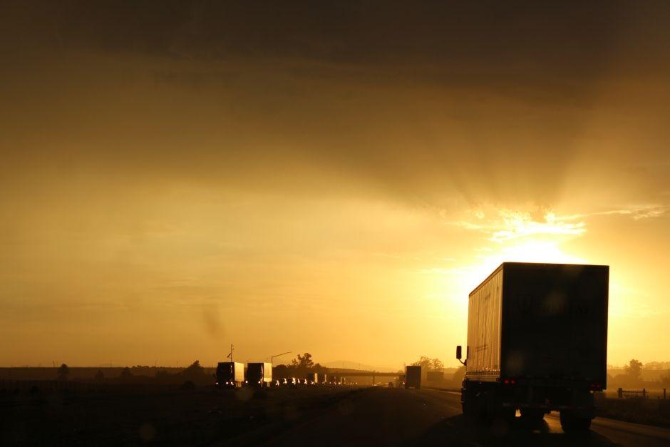 Podróż przez Stany. Zachód słońca w Kaliforni
