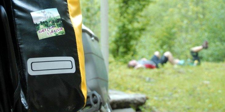 peron4 na trawie