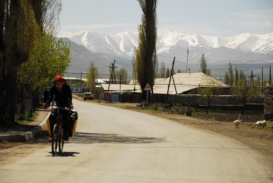 Śnieg na szczytach Kaukazu