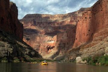 Kajakiem przez Kanion Kolorado w USA