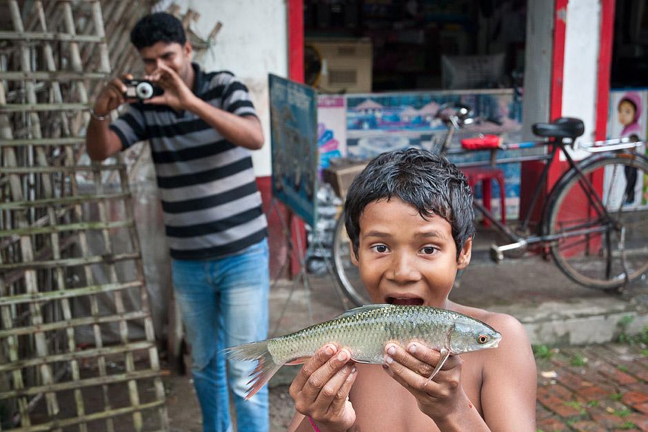 Targ rybny w Bangladeszu - foto
