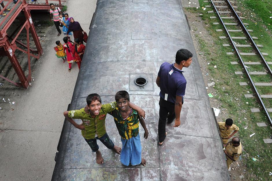 Podróż na dachu pociągu - Bangladesz - zdjęcia