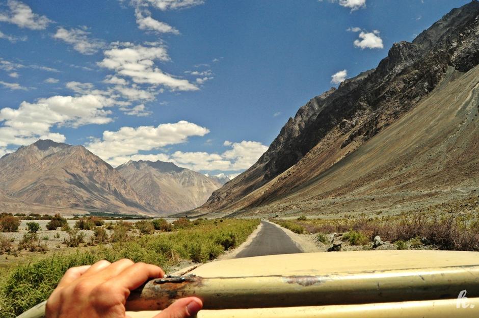Autostop - zdjęcia z podróży przez Himalaje w Indiach