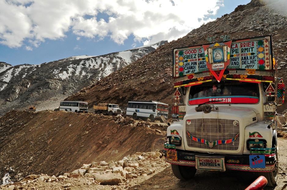 Jazda ciężarówka na stopa przez Himalaje