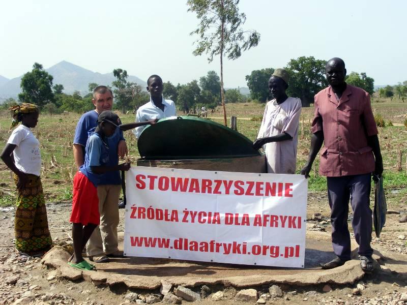 Studnia wybudowana w Afryce