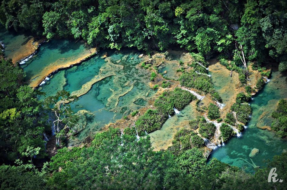 Malownicza rzeka Cahabon - zdjęcia z podróży przez Gwatemalę