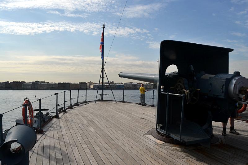 Krążownik Aurora - turystyczna atrakcja Petersburga