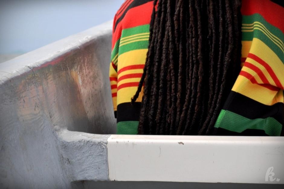Belize - mieszkaniec w rastamańskich dredach