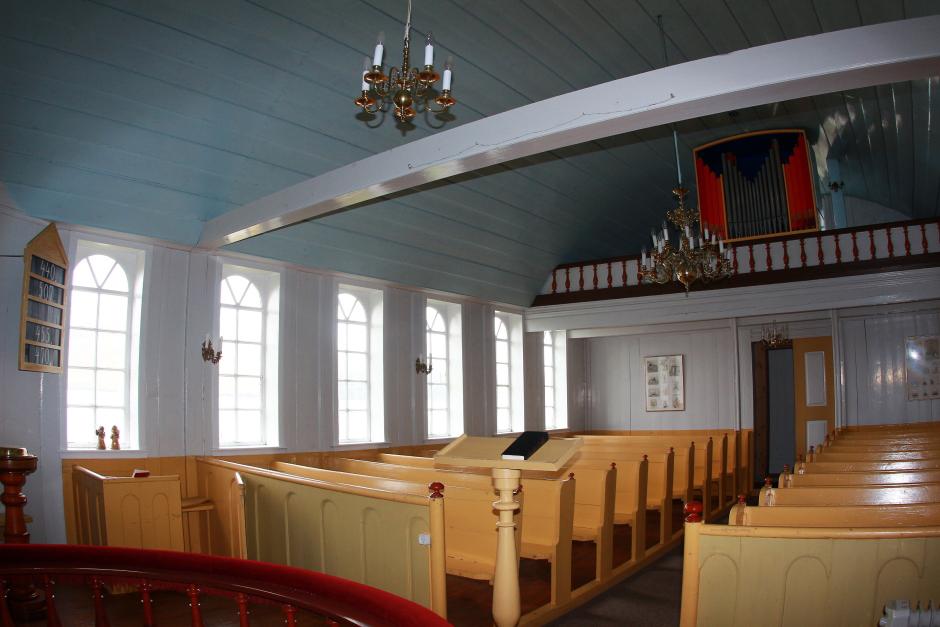 Wnętrze luterańskiego kościoła - foto