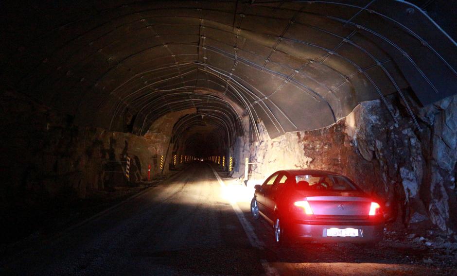 Jeden z tuneli na Wyspach Owczych