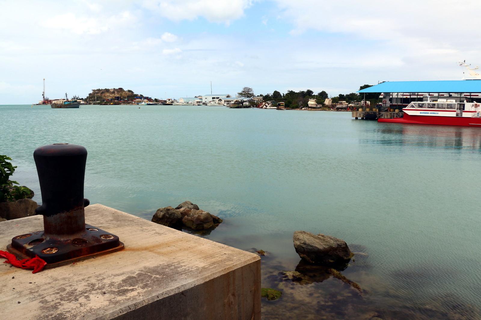 Antigua i Barbuda - wyspiarskie państwo na Karaibach - foto