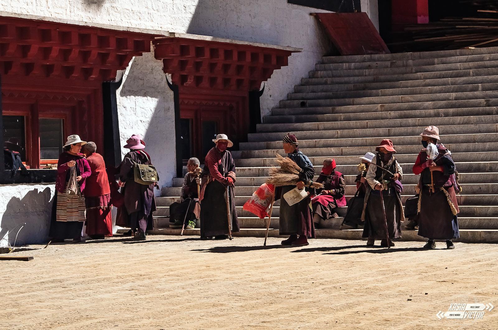 Podróz przez tybetańskie Chiny - buddyjski klasztor w Litang